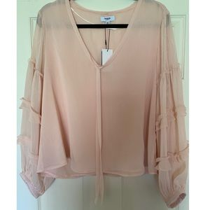 Dusty pink blouse with flowy sleeves